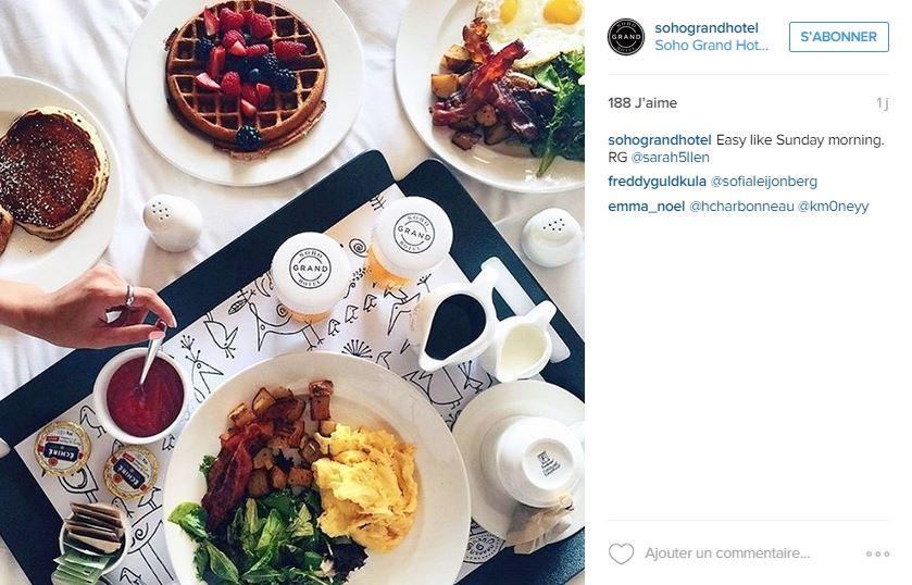 Le petit-déjeuner au Soho Grand hôtel.